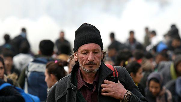 صدامات بين مهاجرين والشرطة قرب حدود اليونان الشمالية