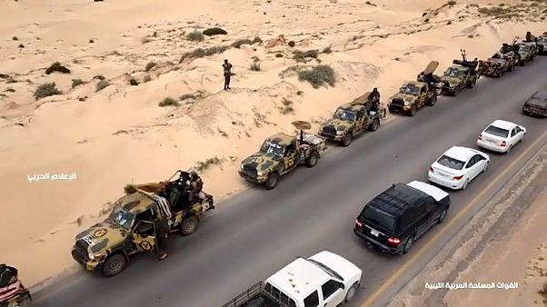 جانب من الحشد العسكري في مواجهات طرابلس