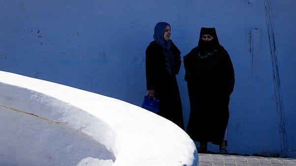 امرأتان في المغرب