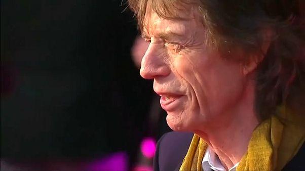 """Depois da operação, Mick Jagger está """"muito melhor"""""""