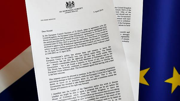 Le Royaume-Uni à six jours d'un Brexit sans accord