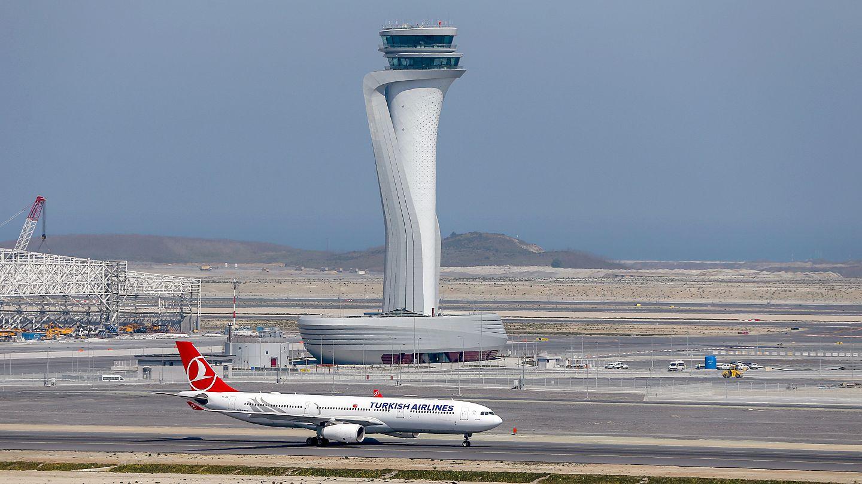 istanbul havalimanı uçak inişi ile ilgili görsel sonucu