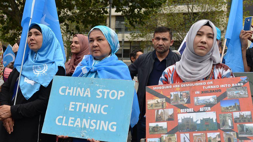 Avustralya'da Çin protestosu: Uygur Türklerini serbest bırakın