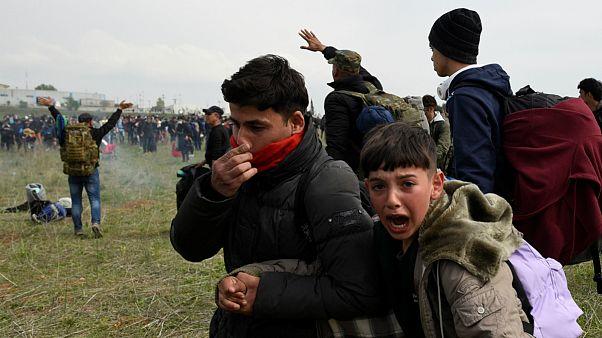 Crianças migrantes também sofreram com o gás lacrimogéneo em Diavata