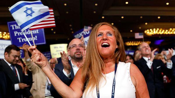 إحدى مؤيدات ترامب بتجمع الائتلاف اليهودي الجمهوري