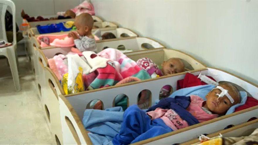 Szíria: Ideiglenes kórtermek gyerekeknek