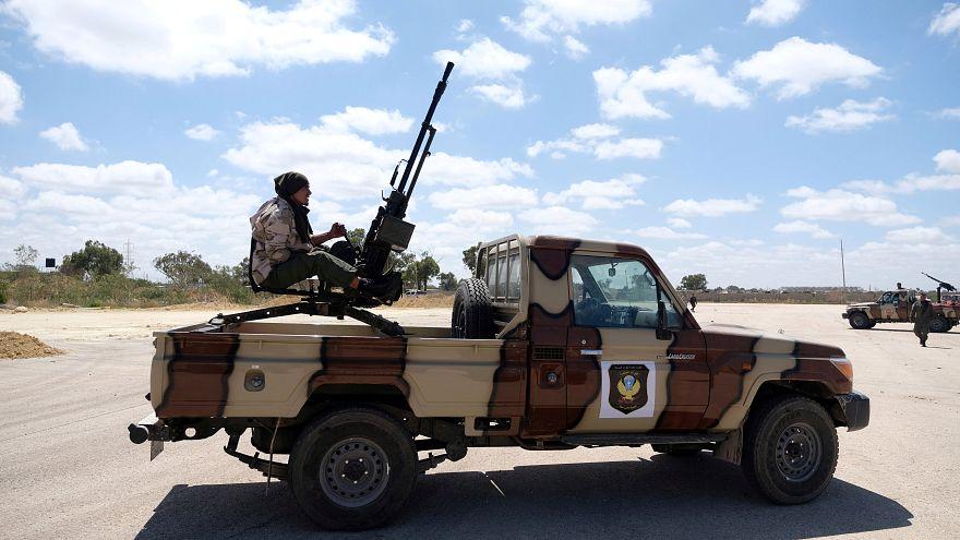 قوات شرق ليبيا تنفذ ضربة جوية على طرابلس والأمم المتحدة تدعو إلى هدنة