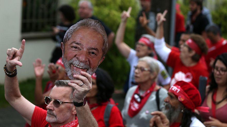 Lula cumple un año en la cárcel y dice tener la concienca tranquila