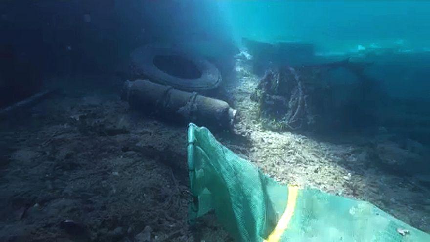 A görög tengerek tisztaságáért küzdenek