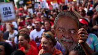 Protestas masivas en el primer aniversario de Lula da Silva en prisión