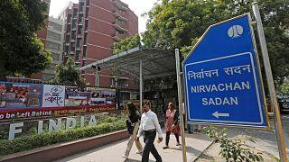کمیسیون انتخابات هند زیر هجوم انتقاد مردم و اتهام هواداری از دولت