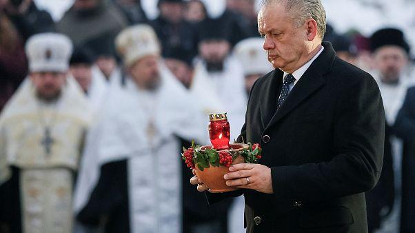 رئيس سلوفاكيا يعارض قانوناً يحظر على الأجانب غناء النشيد الوطني داخل البلاد