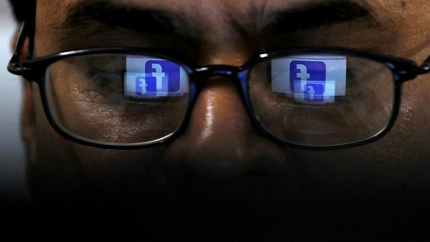 بريطانيا تبحث فرض قوانين وعقوبات لمكافحة المحتوى الضار على الأنترنت