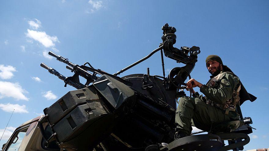 Başkent Trablus'a saldıran Hafter güçleri