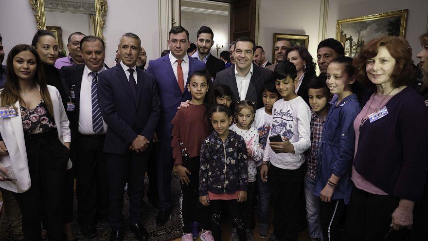 Συνάντηση Τσίπρα με εκπροσώπους Ρομά στο Μαξίμου