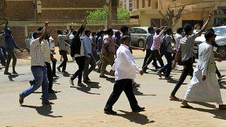 7 mortos em protestos contra o presidente Omar al-Bashir