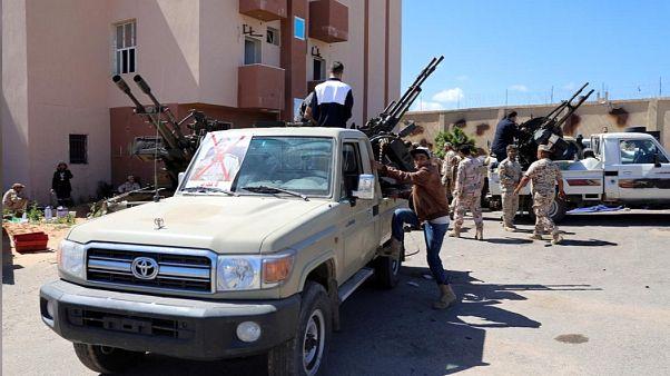 Λιβύη: Μάχες για τον έλεγχο του αεροδρομίου της Τρίπολης