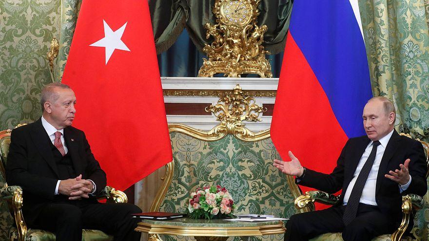 الرئيسان التركي رجب طيب ارودغان (يسارا) والروسي فلاديمير بوتين في موسكو