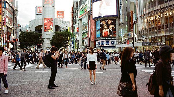 Japonya'da 30 yaşını geçen her 10 kişiden biri bakir ve oran giderek artıyor
