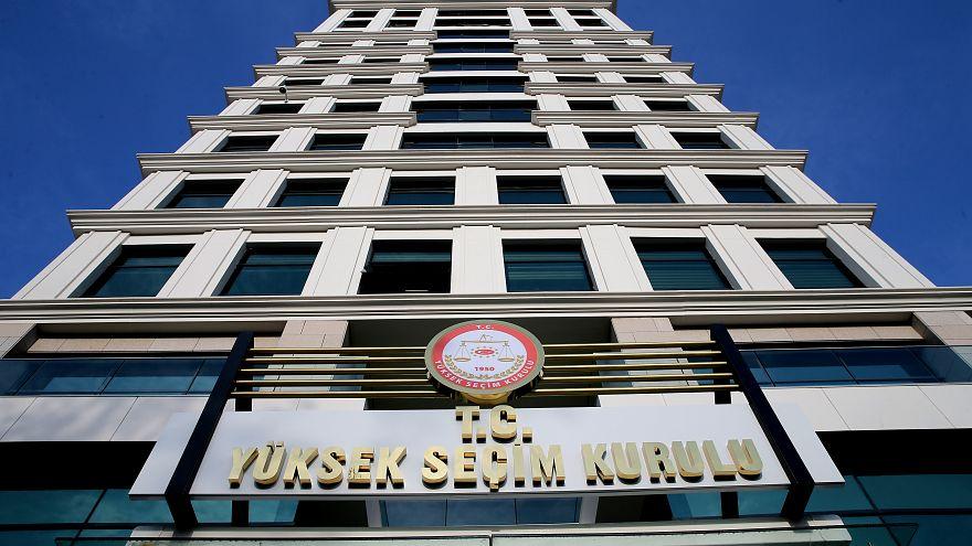 Adana Kozan'da belediye başkanlığı el değiştirdi