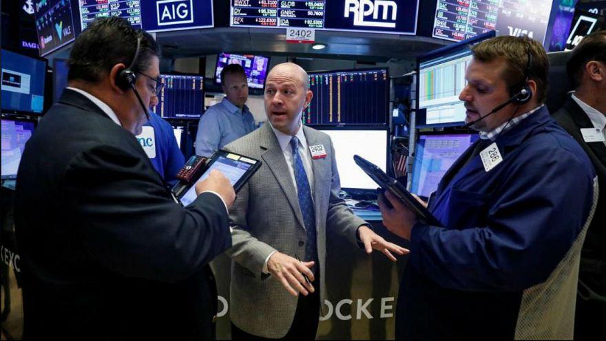 واکنش بازارها به تنش ایران و آمریکا؛ افزایش محافظهکارانه قیمت نفت، طلا و دلار
