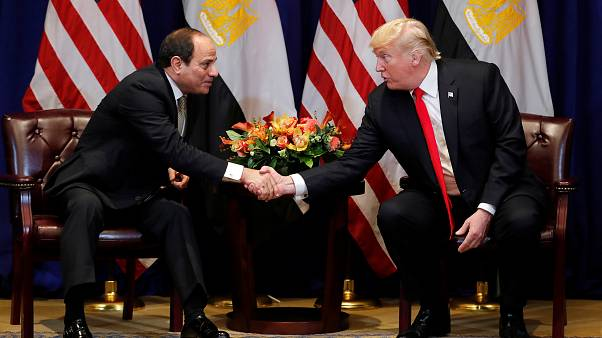 ترامب يدعم السيسي ويقول إن الفوضى كانت تعم مصر قبل وصوله إلى الحكم