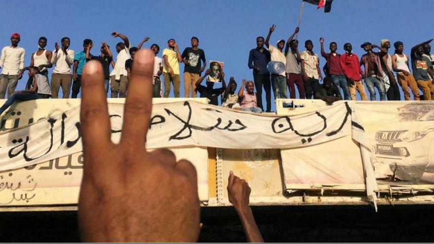 شلیک سنگین نیروهای امنیتی به مردم؛ دفاع خونین ارتش سودان از معترضان