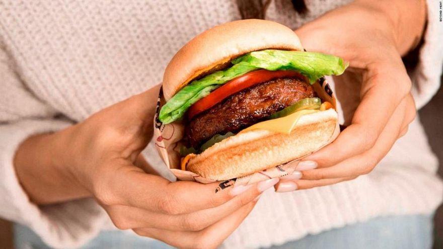 Burger King'in 'çubuklu hamburger reklamına' Çin'den büyük tepki