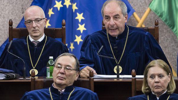 Alkotmánybíróság: érvényes a túlóratörvény