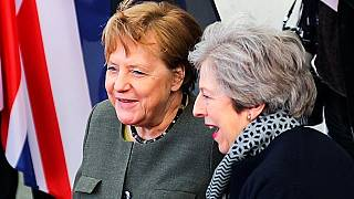 Uniós roadshow-n Theresa May