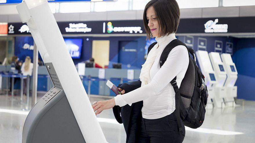 Atina havaalanında yüz tanıma teknolojisi ile kimlik ve bilet gösterimine son