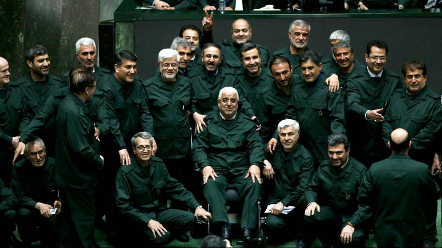 مجلس ایران لباس سپاه بر تن کرد
