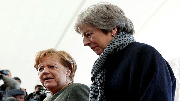 """ماي تبحث في برلين وباريس عن دعمٍّ لتمديد """"بريكست"""" في القمّة الأوروبية"""