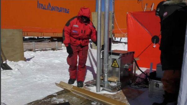 En busca del primer hielo de la Tierra