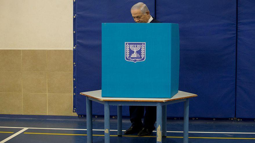نتنياهو يدلي بصوته