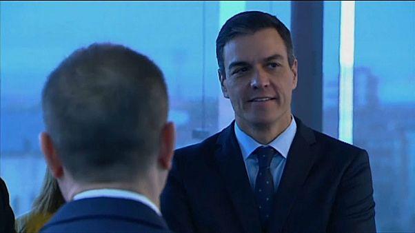 Sánchez asegura que las fake news son una amenaza para la democracia