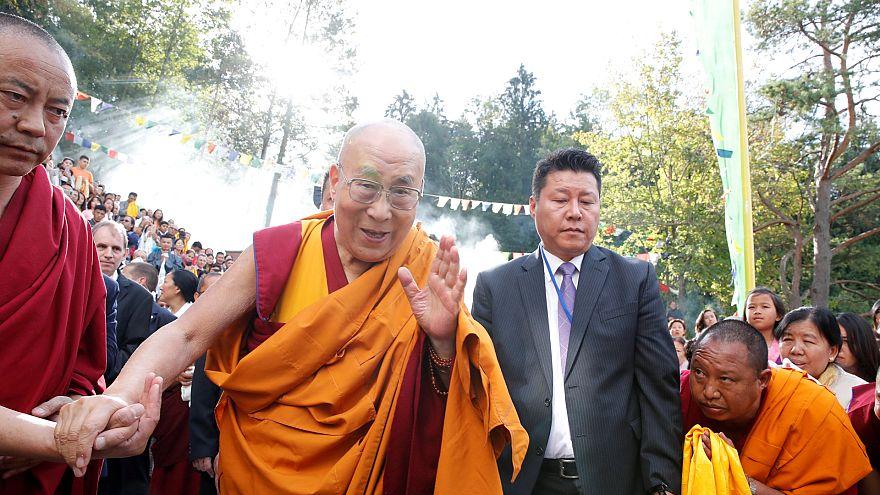 Tibet'in ruhani lideri Dalay Lama akciğer enfeksiyonu nedeniyle hastaneye kaldırıldı