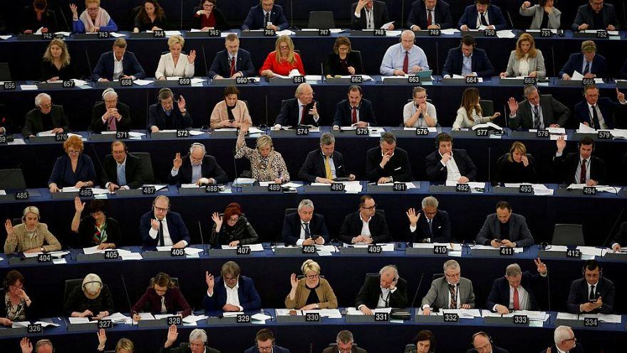 Ευρωεκλογές 2019: Περιορίζουν τις απώλειες Συντηρητικοί και Σοσιαλιστές