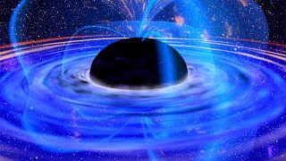 العالم على موعد مع أول صورة لثقب أسود
