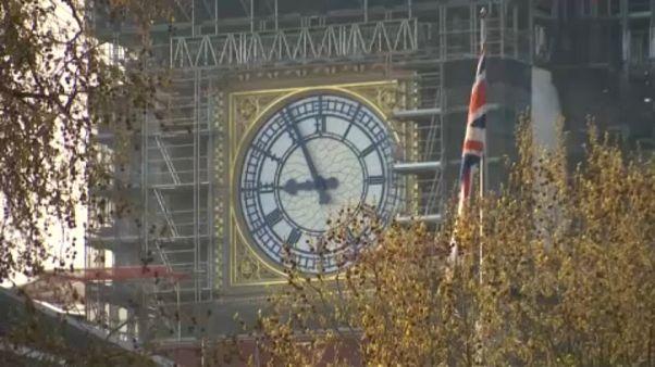 Brexit: Συνεχίζεται το «σκληρό πόκερ»