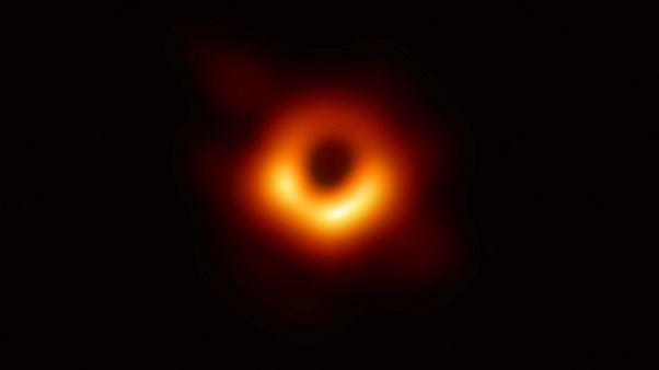 H πρώτη φωτογραφία μαύρης τρύπας