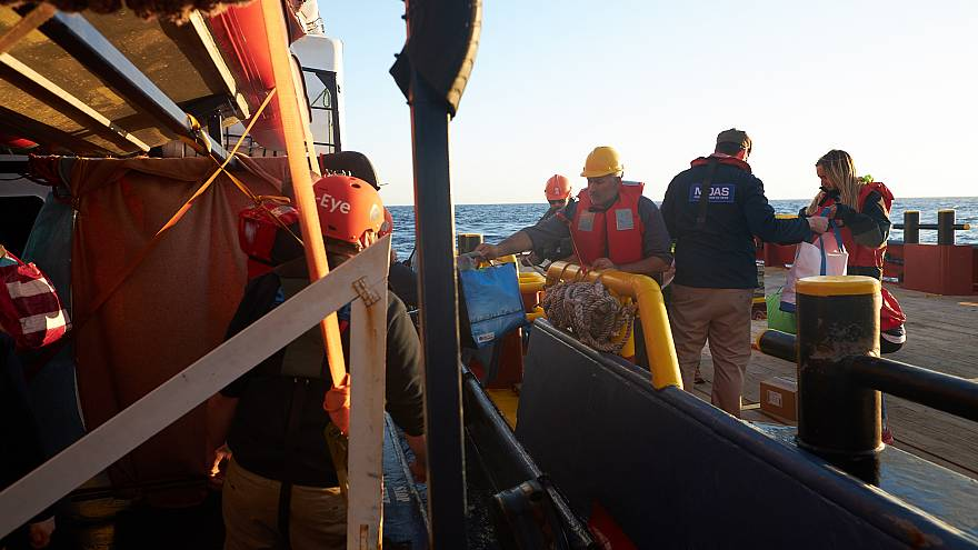 MOAS delivers emergency supplies to the Alan Kurdi rescue ship on April 9