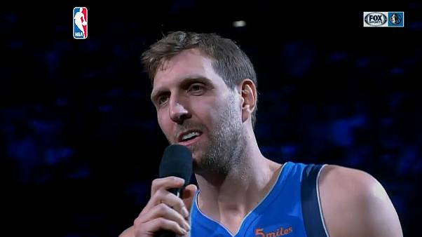NBA: Dirk Nowitzki despede-se em forma