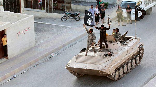 بغداد در ازای دریافت دومیلیارد دلار پیکارجویان خارجی داعش را محاکمه می کند