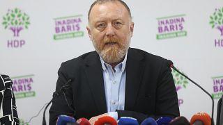 HDP, seçimde birinci olan CHP yerine kendilerine mazbata verilmesini kabul etmedi
