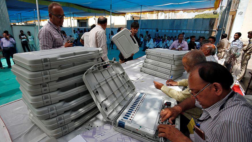Hindistan'da 40 günlük genel seçimler başladı: 900 milyon sandığa gidecek