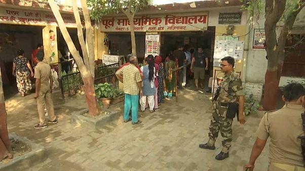 Wahlmarathon: Indien stimmt über Parlament ab