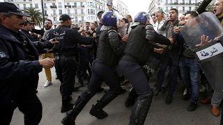 L'armée algérienne met en garde les manifestants toujours mobilisés