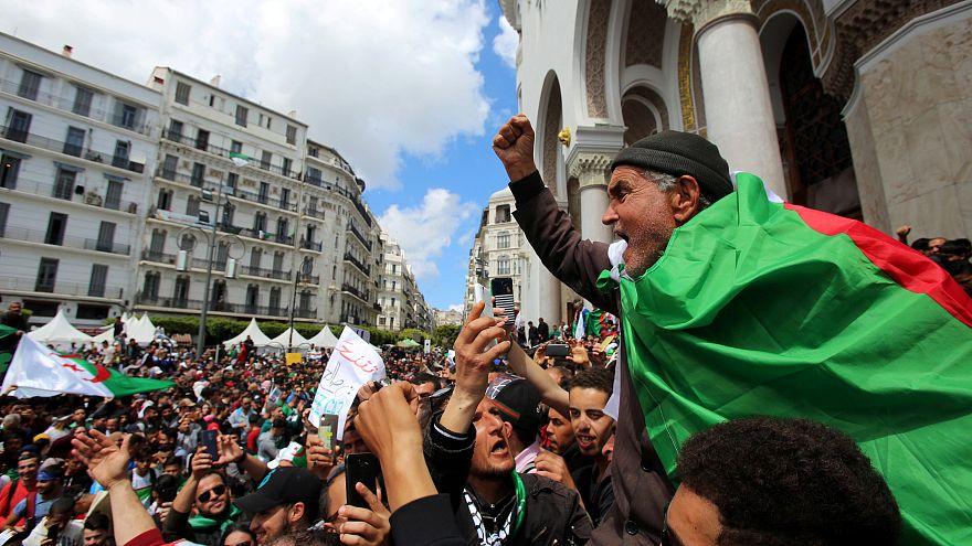 Cezayir'de Buteflikasız seçimler 4 Temmuz'da