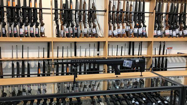 دولت نیوزیلند دهها هزار سلاح ممنوعهٔ شهروندانش را میخرد